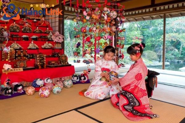 Lễ hội búp bê tại Nhật Bản