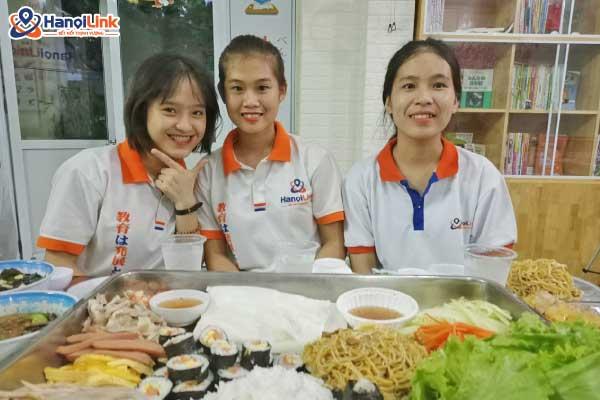 học viên tham gia tết trung thu Hanoilink